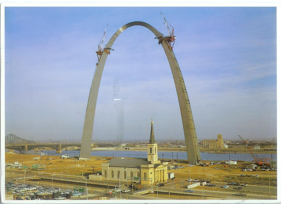http://rememberingletters.files.wordpress.com/2012/01/usa-missouri-st-louis-building-the-gateway-arch.jpg