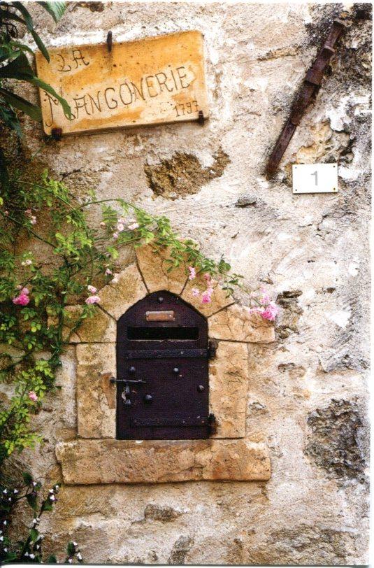 Poland - old mailbox