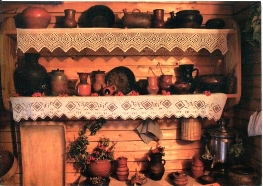 Russia - Shelves and Lace