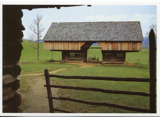 USA - Tennessee - Winged Barn